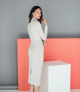 Midi merino skirt with slit