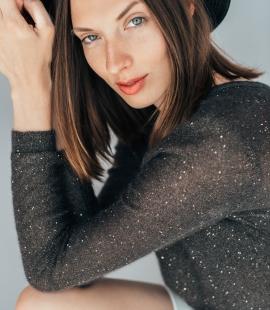 Elegants mohēras fliteru džemperis