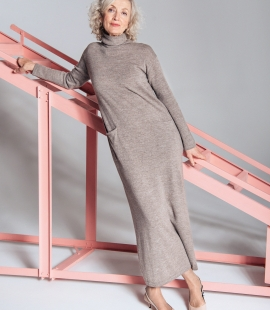 Long turtle neck cashmere blend dress with pockets