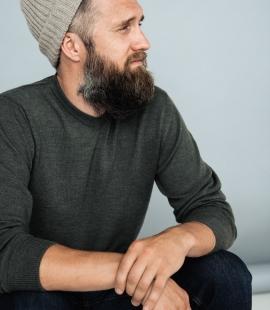 Merino vilnas vīriešu džemperis ar V-kaklu