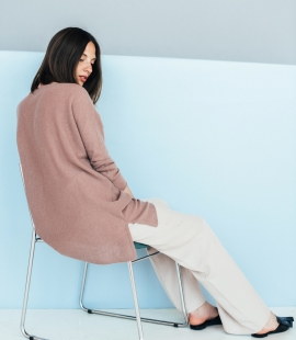 Oversized cashmere bend sweater