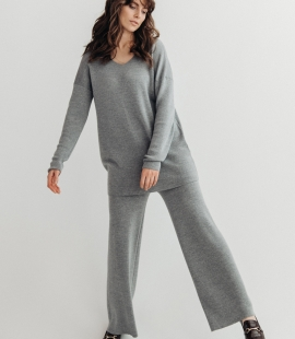 Merino wool trousers in wide silhouette
