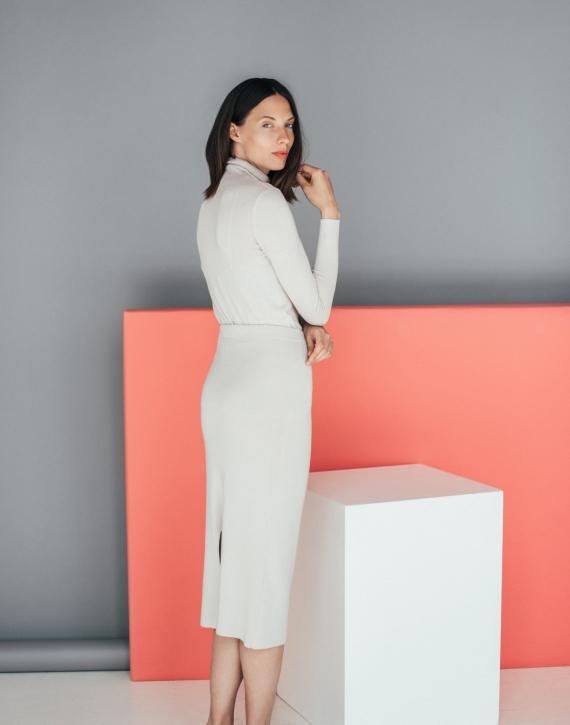Midi merino skirt with slit