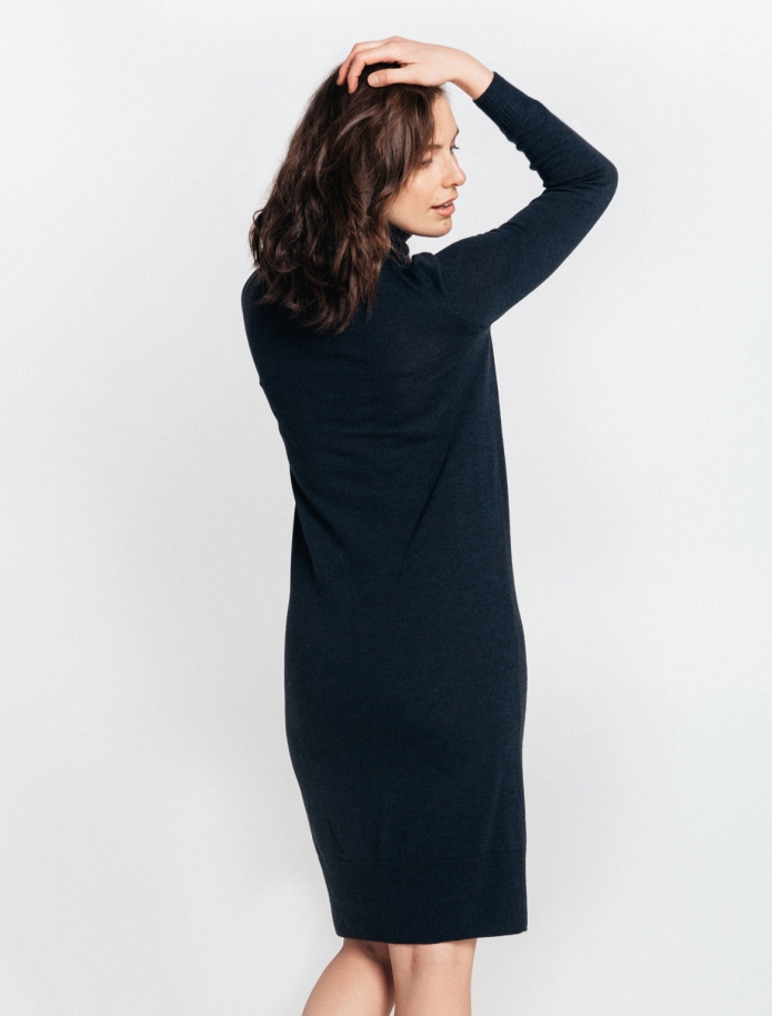 Midi turtle neck merino wool dress. Photo Nr. 2