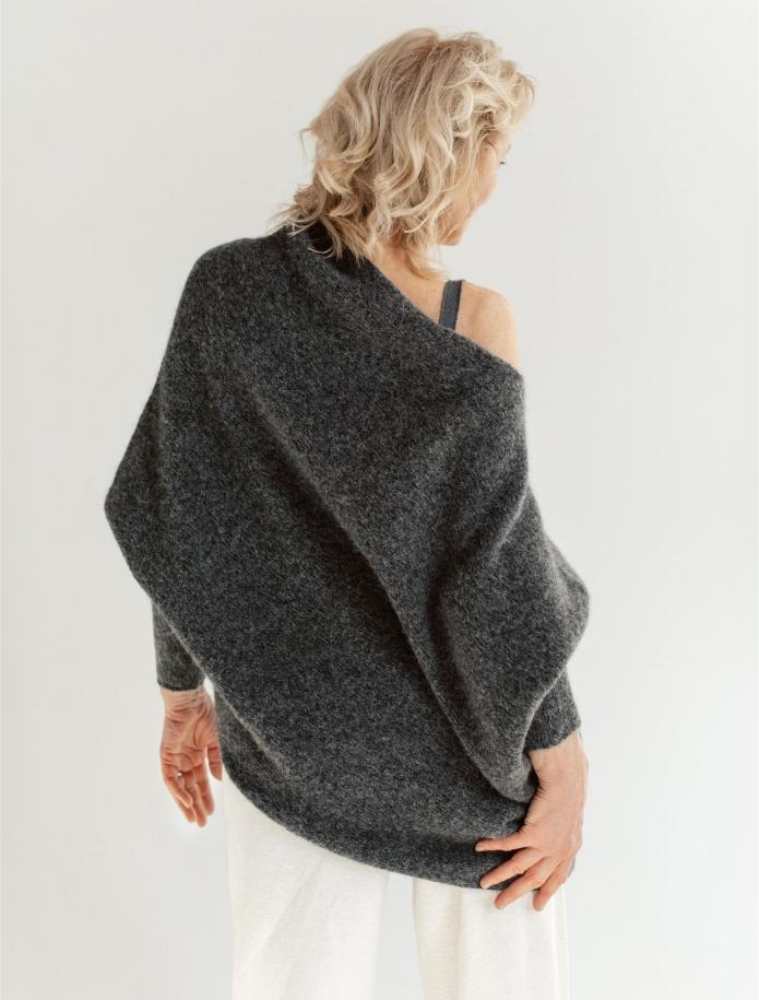 Asimetriskais alpakas džemperis. Attēls Nr. 3