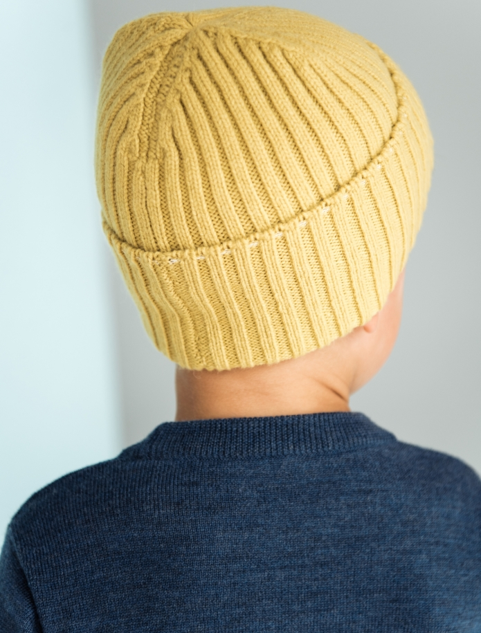 Kids lambs wool hat. Photo Nr. 3