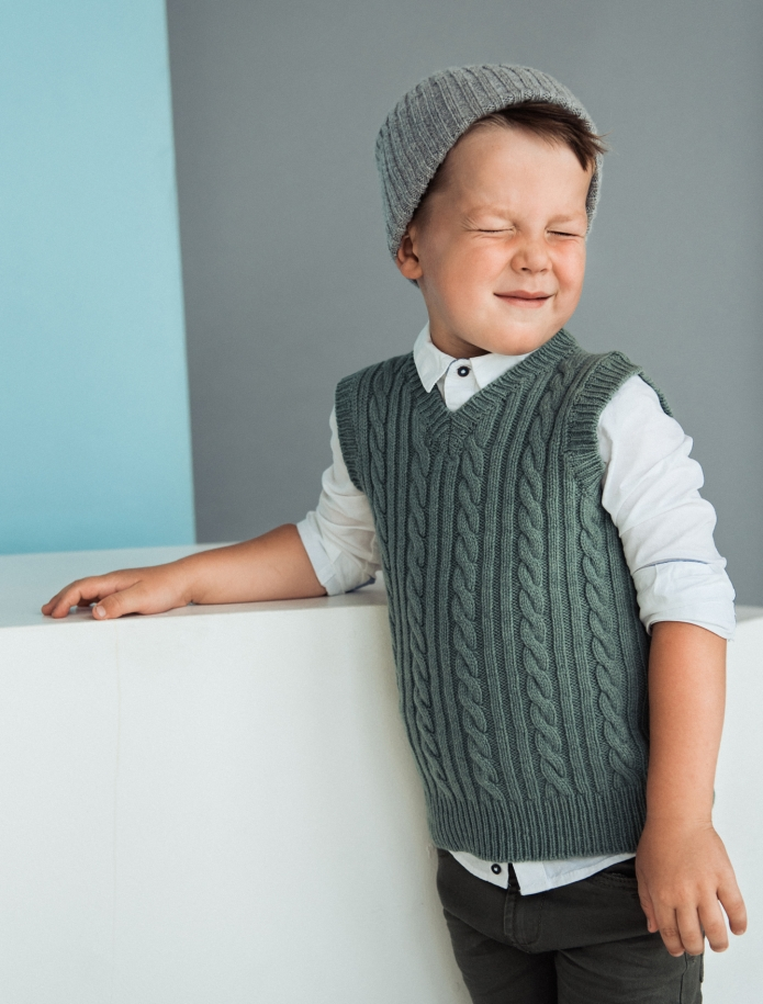 Kids lambs wool vest. Photo Nr. 7
