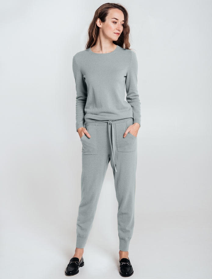 SET: trousers and round neck sweater from Merino and Cashmere blend. Photo Nr. 1