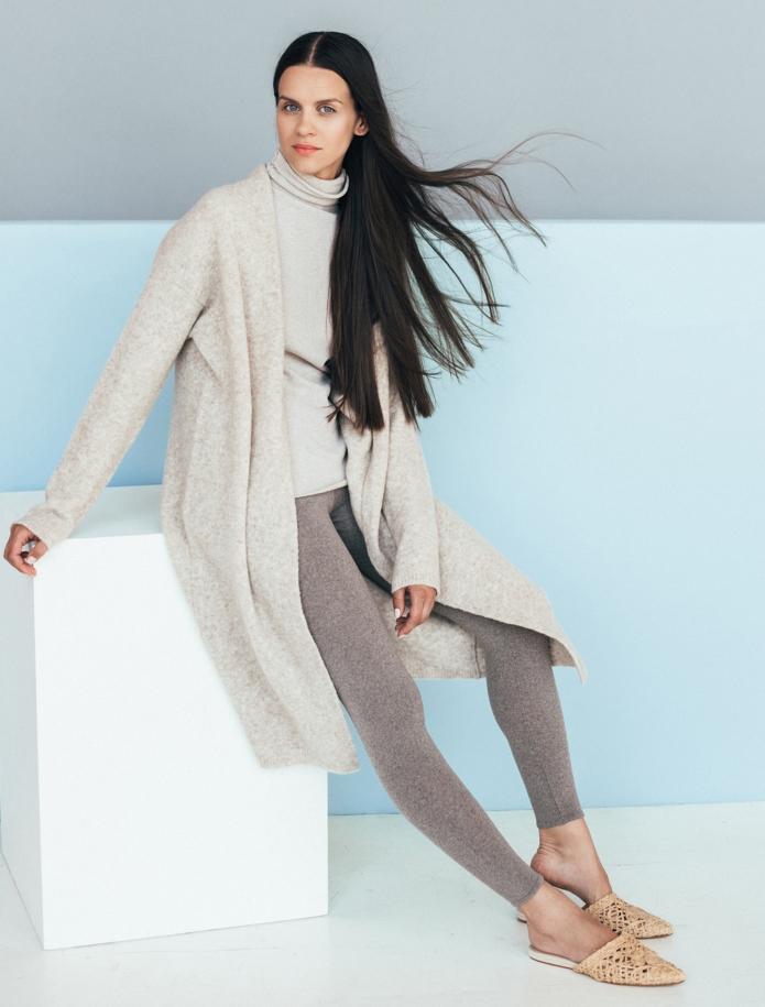 Merino wool mid length cardigan with pockets. Photo Nr. 2