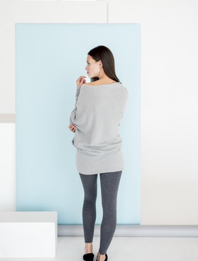 Asimetrisks alpakas vilnas džemperis. Attēls Nr. 3