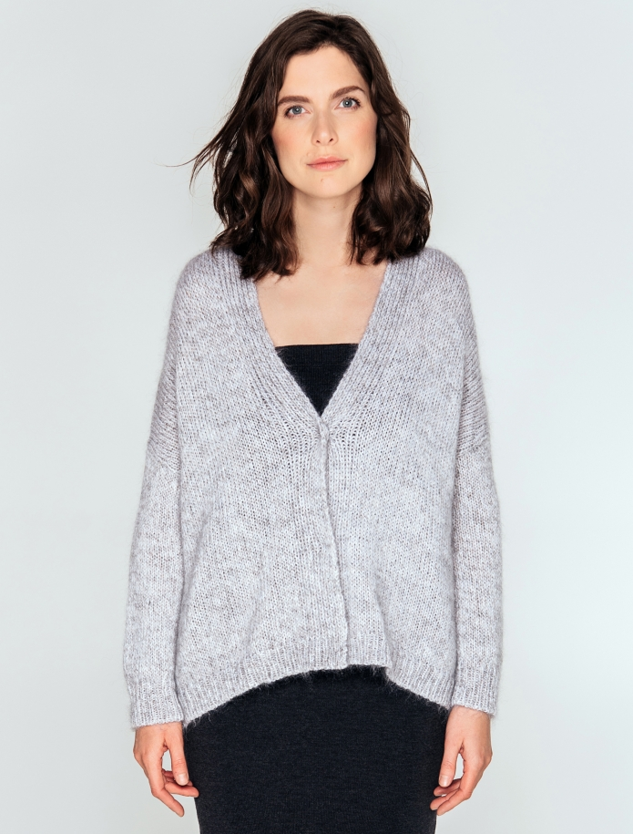 Short oversized cardigan from mohair, merino wool and silk blend. Photo Nr. 4