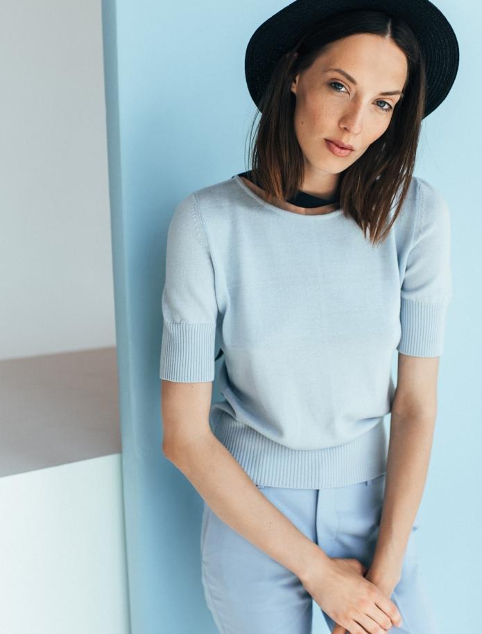 Merino knitted short sleeve sweater. Photo Nr. 1
