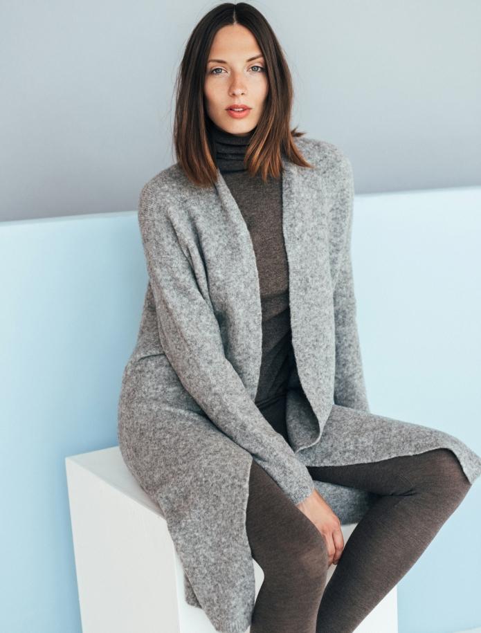 Merino wool mid length cardigan with pockets. Photo Nr. 7