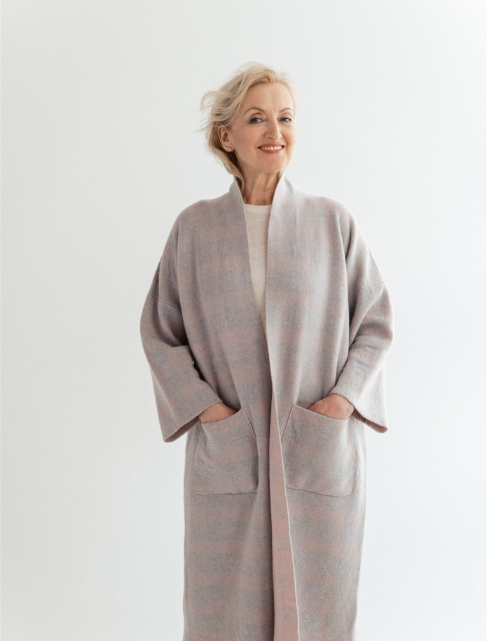 Cashmere / wool coat with pockets. Photo Nr. 3