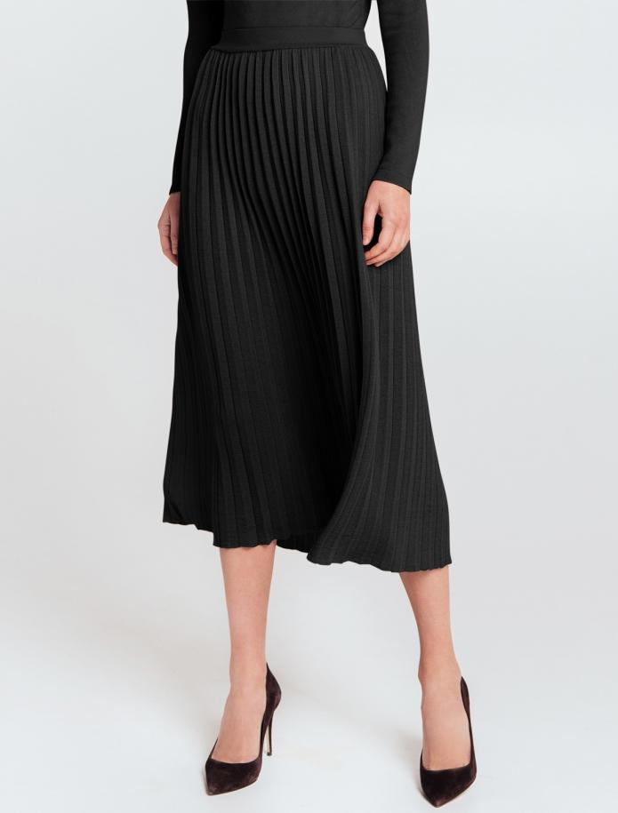 Mid length gofra merino wool skirt with narrow Belt. Photo Nr. 1