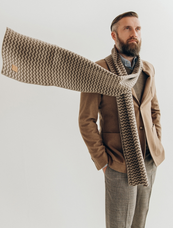 Pure merino plain knitting shawl, Pattern 2. Photo Nr. 1