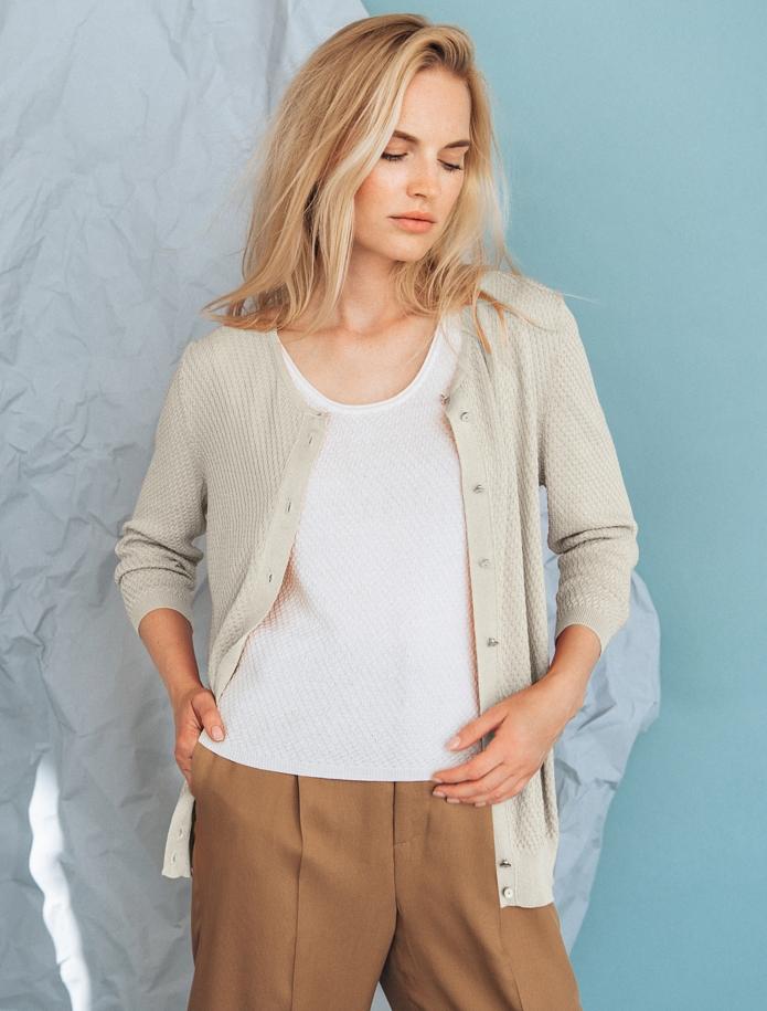 Rīsu raksta jaka ar pusgarām piedurknēm un pogām. Attēls Nr. 5