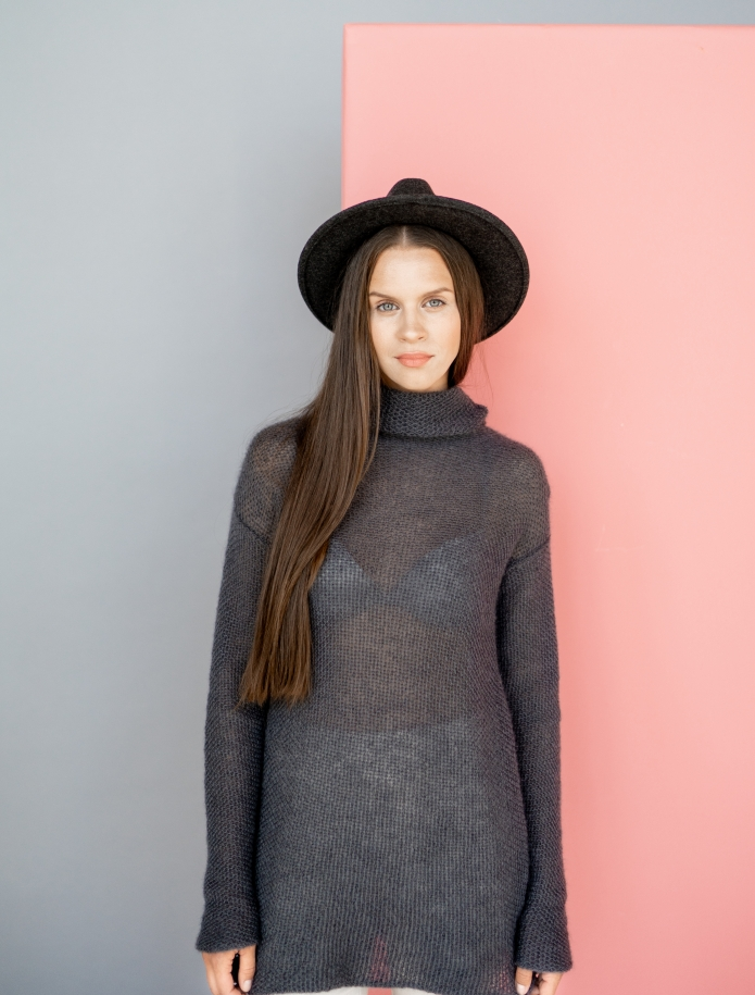 Mohair turtle neck sweater. Photo Nr. 2
