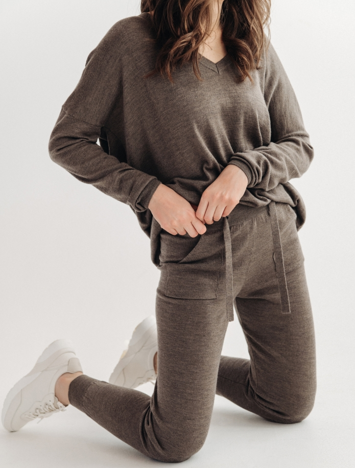 Merino trousers with pockets. Photo Nr. 2