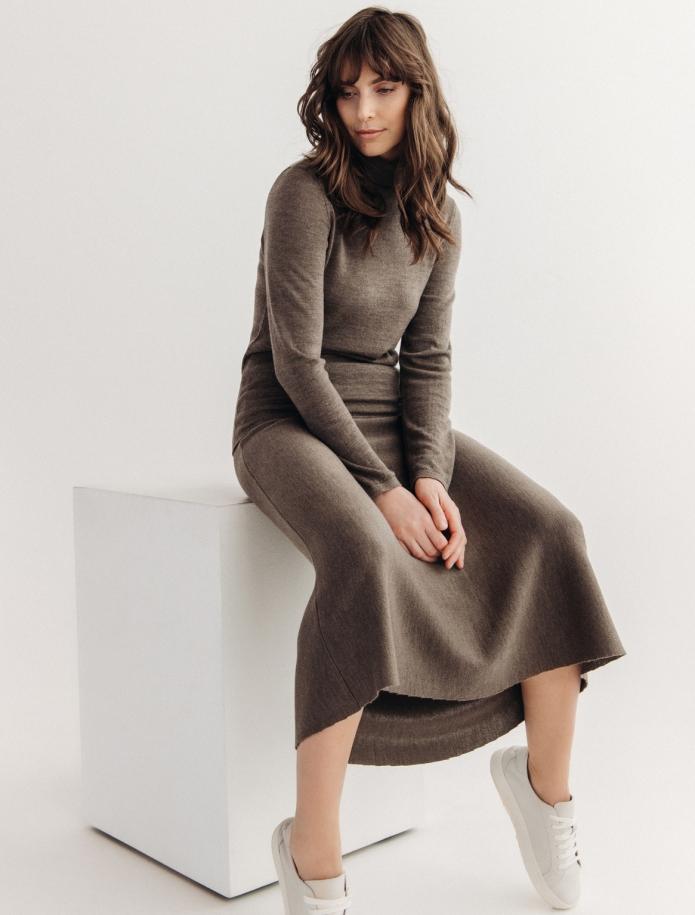 Midi length merino wool skirt. Photo Nr. 6
