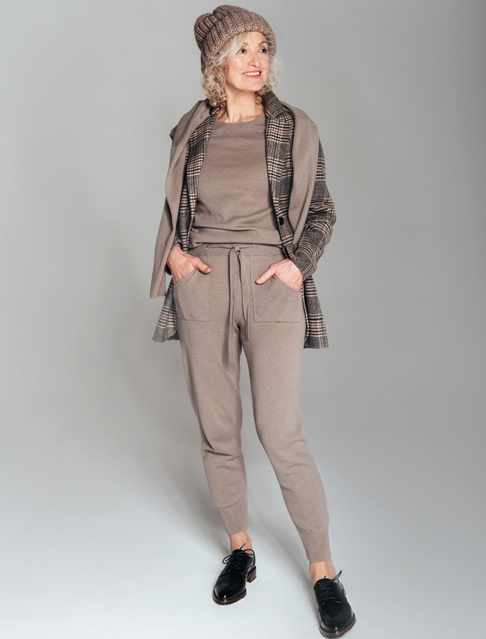 Merino and cashmere blend trousers with pockets. Photo Nr. 2