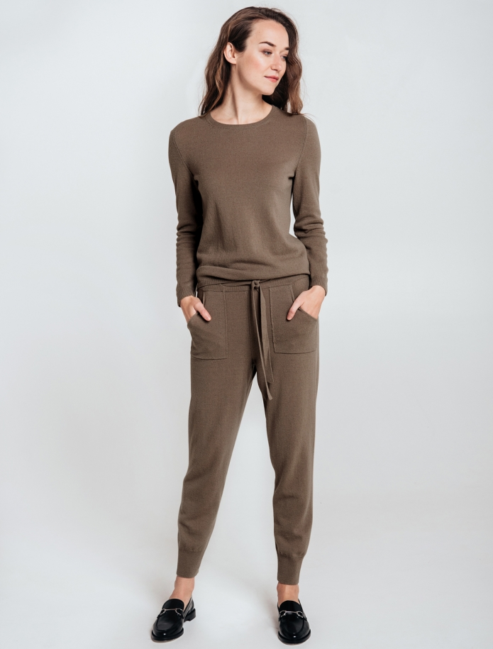 SET: trousers and round neck sweater from Merino and Cashmere blend. Photo Nr. 2
