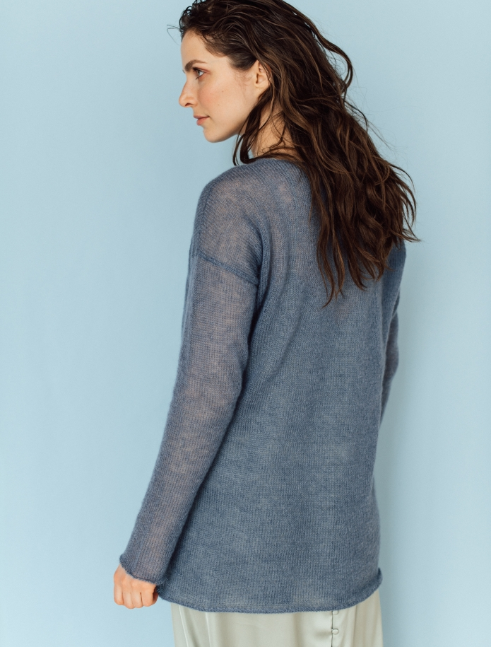 Mohair and silk blend V-neck sweater. Photo Nr. 3