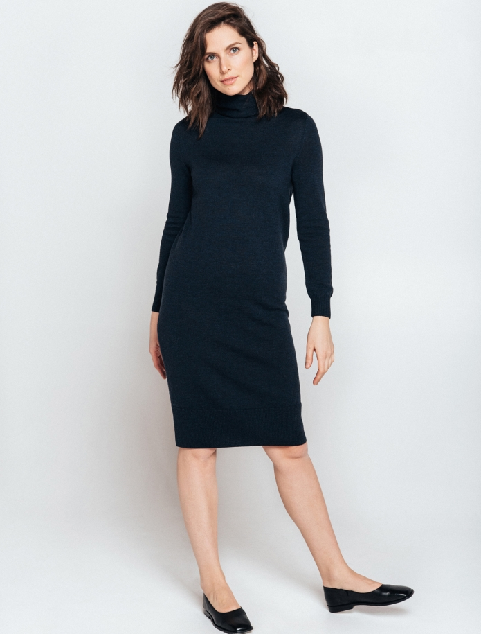 Midi turtle neck merino wool dress. Photo Nr. 5