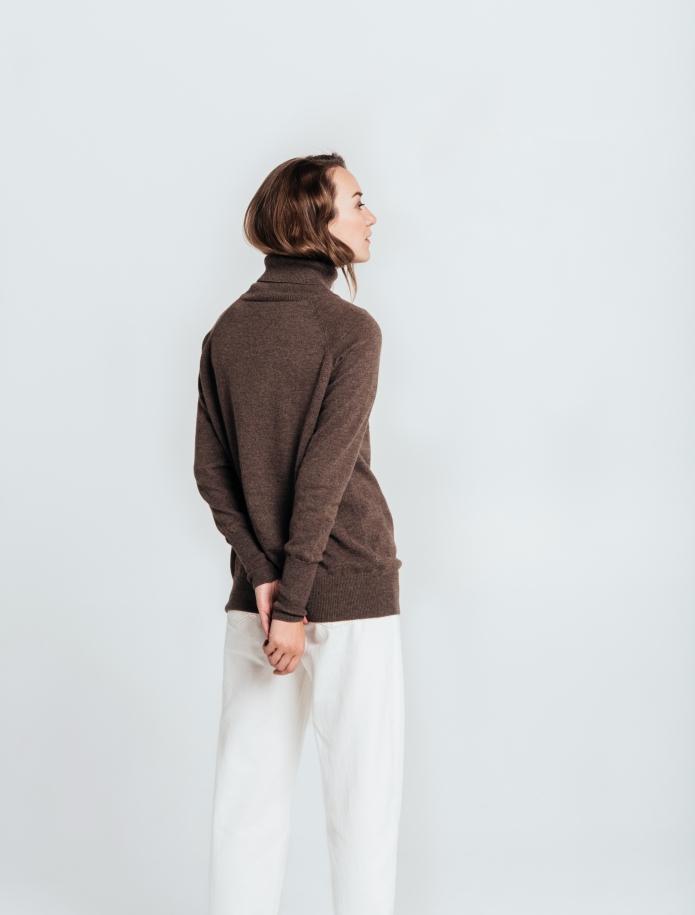 Oversized kašmira un vilnas apvienojuma džemperis ar augstu apkakli. Attēls Nr. 3