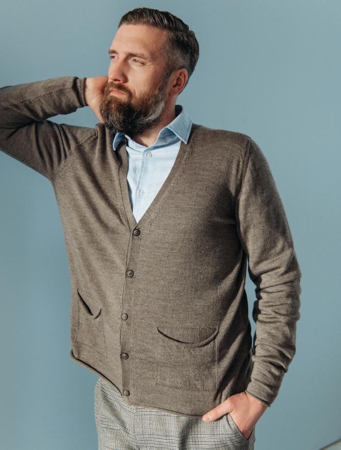 Merino wool cardigan with pockets. Photo Nr. 2