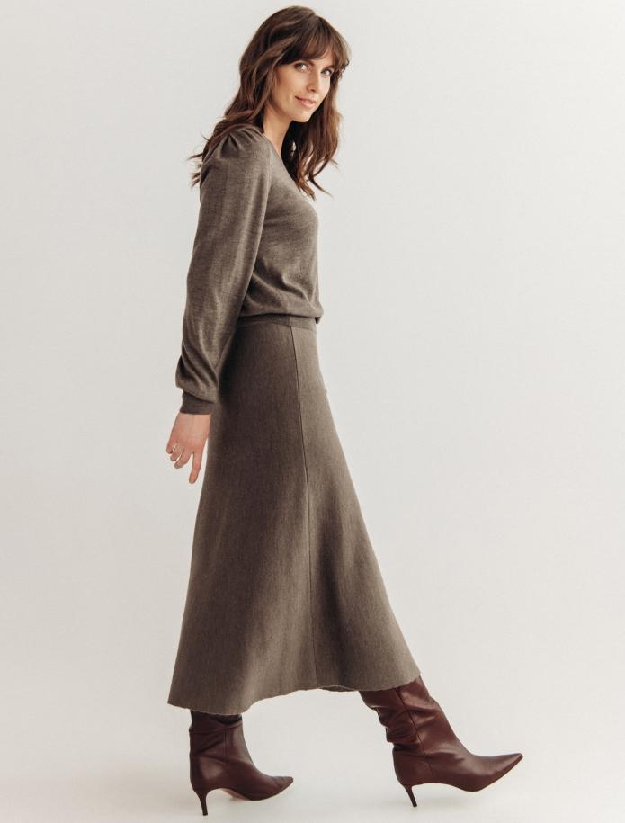 Midi length merino wool skirt. Photo Nr. 4