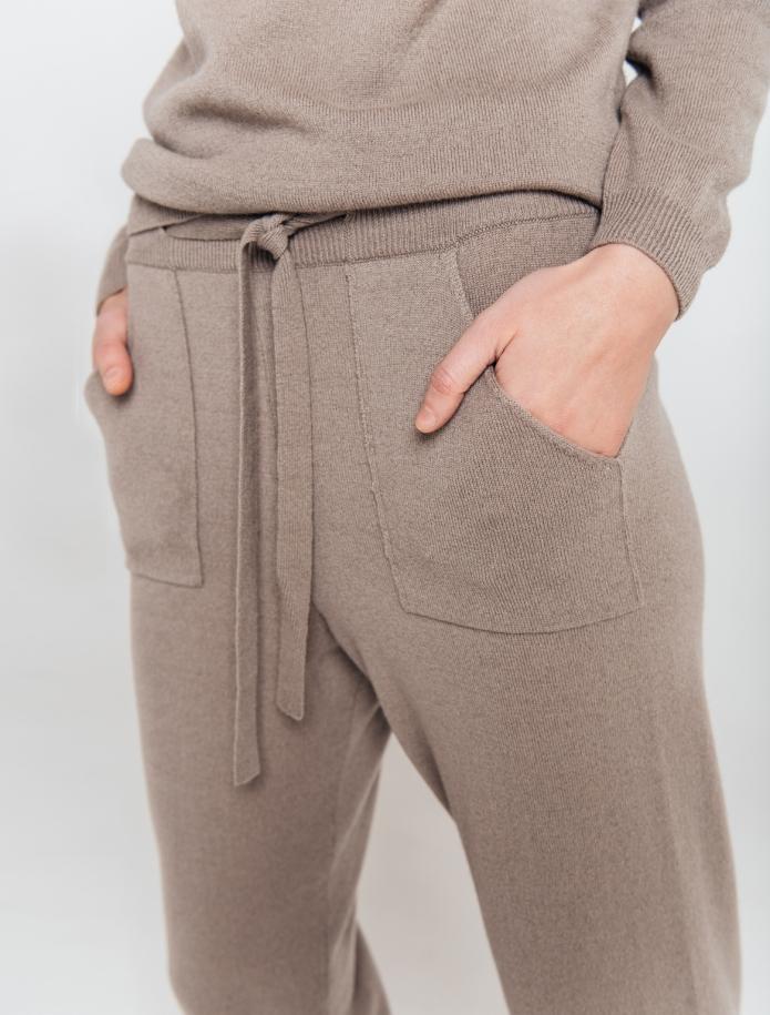 KOMPLEKTS: bikses un džemperis no Merīnvilnas un Kašmira sajaukuma. Attēls Nr. 4