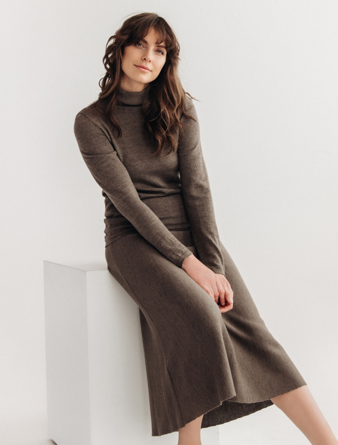 Midi length merino wool skirt. Photo Nr. 1