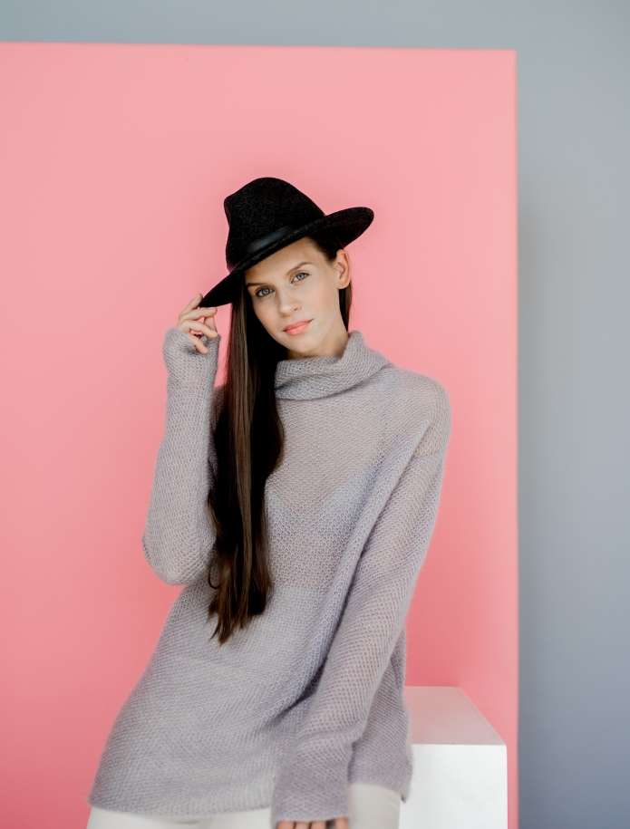 Mohair turtle neck sweater. Photo Nr. 6