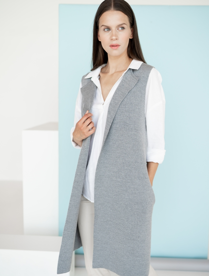 Long merino vest with pockets. Photo Nr. 5