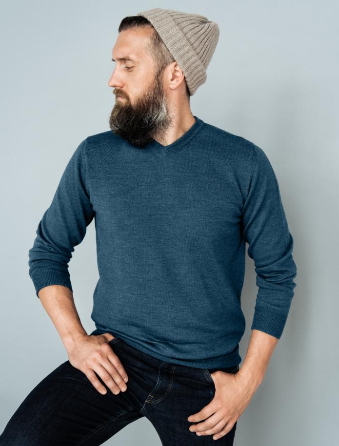 Merino wool V-neck sweater. Photo Nr. 3