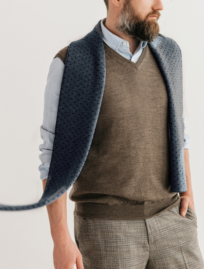Pure merino plain knitting shawl, Pattern 3. Photo Nr. 4