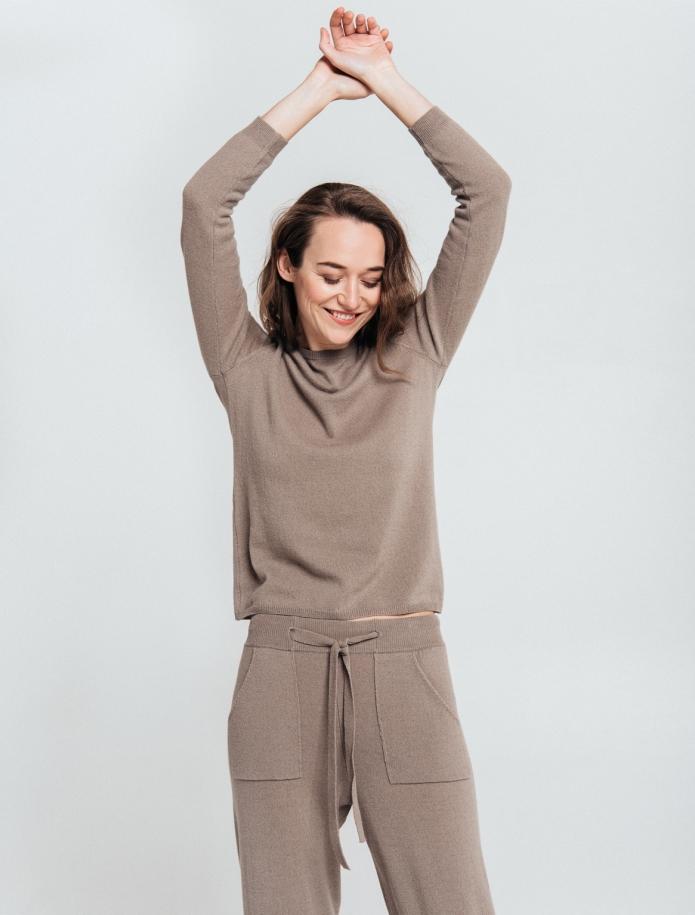 KOMPLEKTS: bikses un džemperis no Merīnvilnas un Kašmira sajaukuma. Attēls Nr. 3