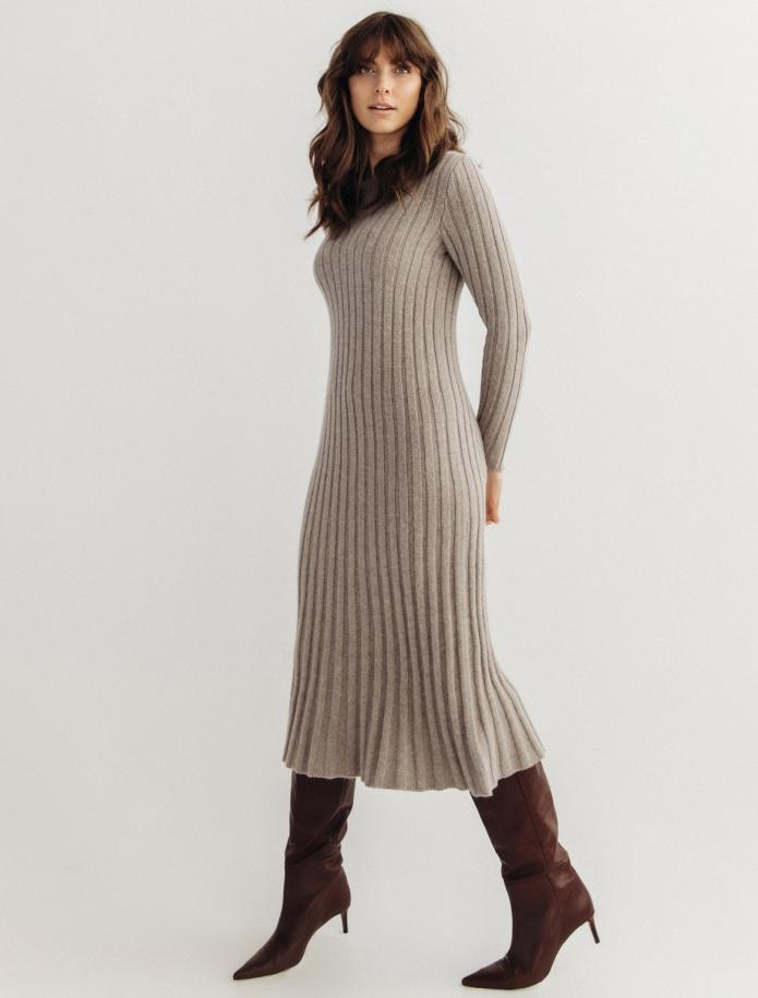 Midi Lambswool dress. Photo Nr. 3