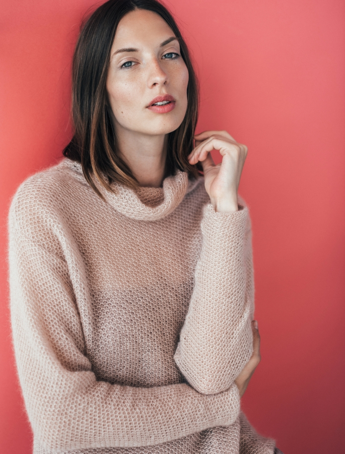 Mohair turtle neck sweater. Photo Nr. 4