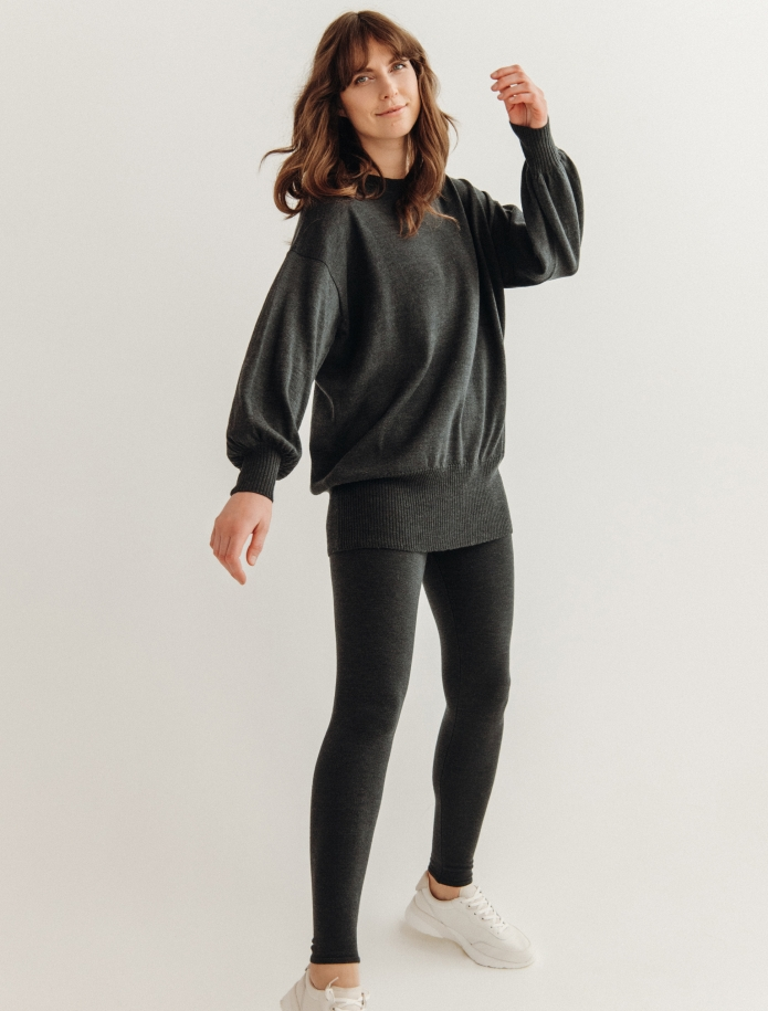 Oversized merino wool round neck sweater. Photo Nr. 2