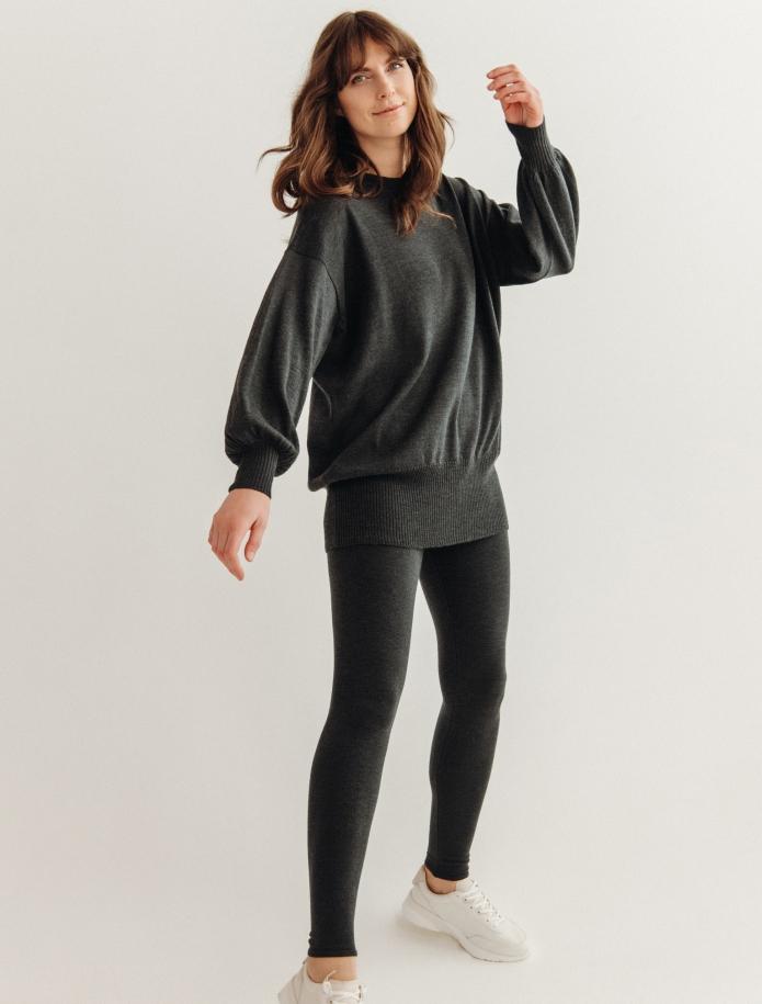 Oversized merino vilnas džemperis ar apaļu kakla izgriezumu. Attēls Nr. 2