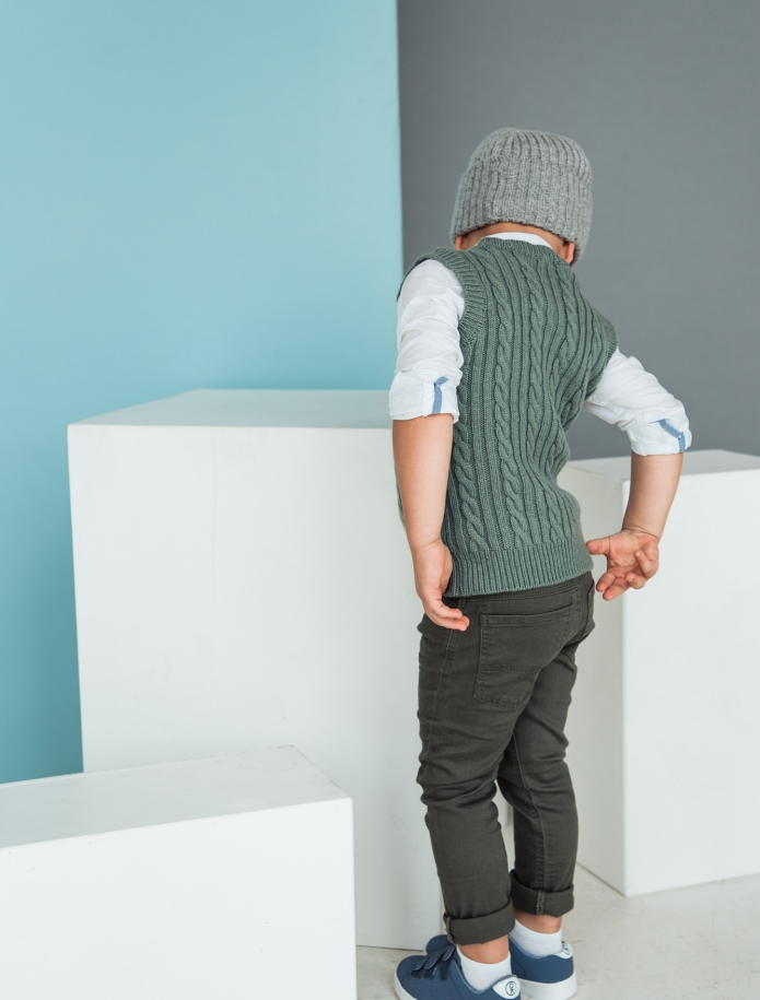 Kids lambs wool vest. Photo Nr. 3