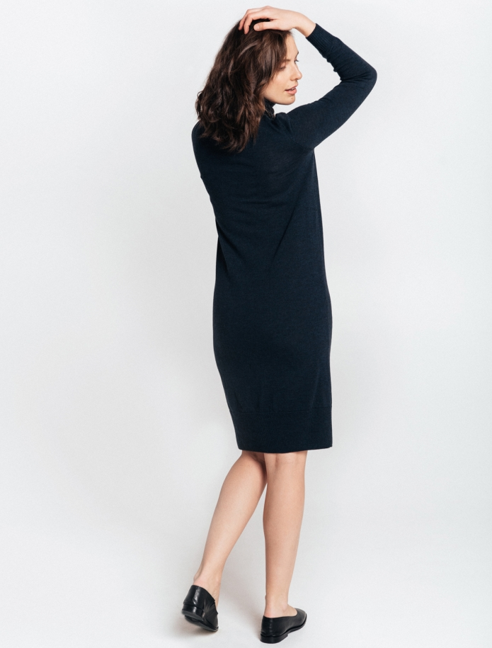 Midi turtle neck merino wool dress. Photo Nr. 6