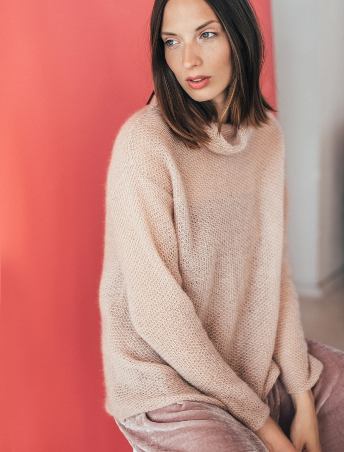 Mohair turtle neck sweater. Photo Nr. 3