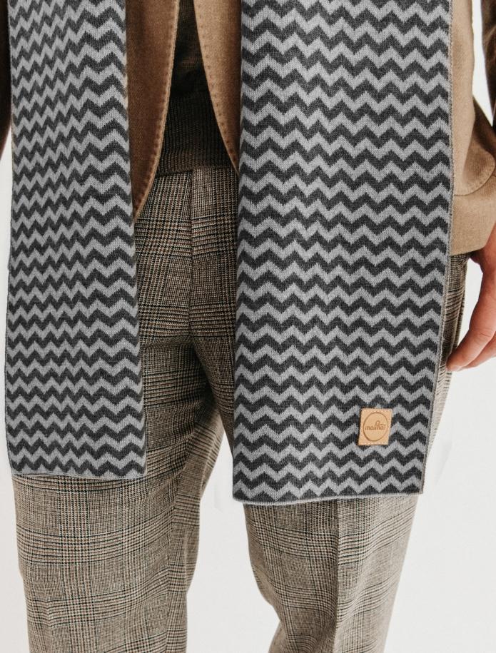 Pure merino plain knitting shawl, Pattern 2. Photo Nr. 4