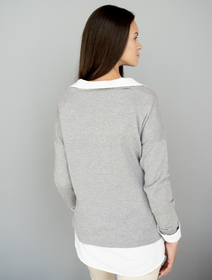 Classic V-neck cashmere sweater. Photo Nr. 4