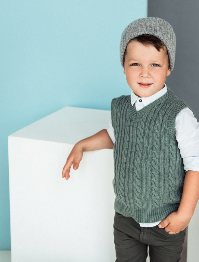 Kids lambs wool vest. Photo Nr. 4