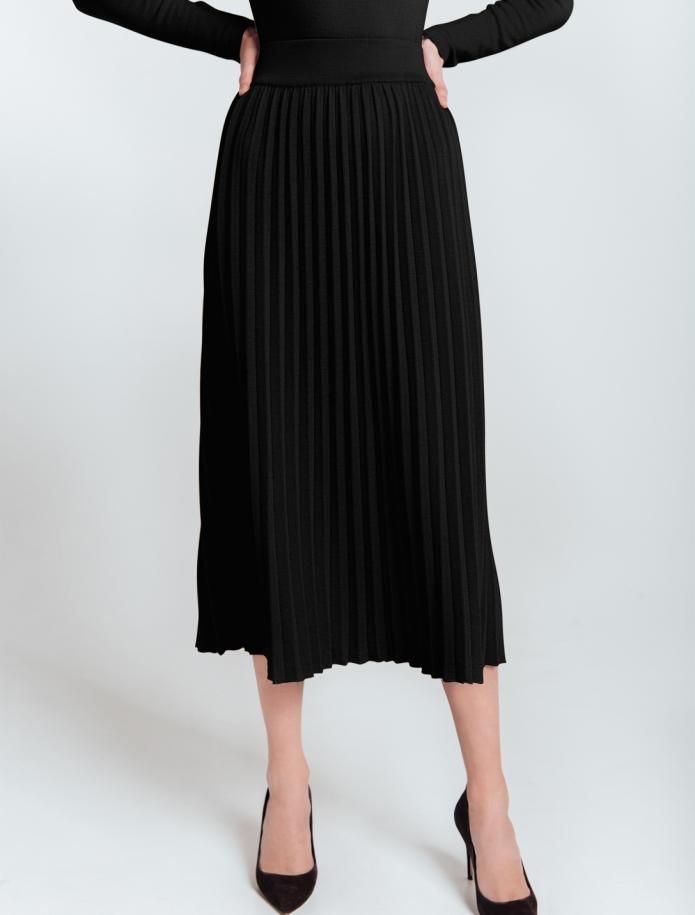 Mid length gofra merino wool skirt with wide Belt. Photo Nr. 9