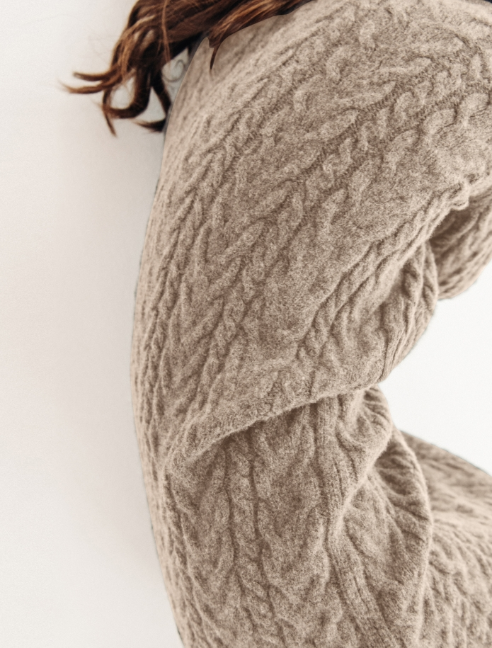 Lambswool cable pattern long dress. Photo Nr. 8